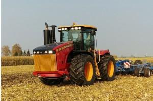 Versatile Ciągnik rolniczy przegubowy WD