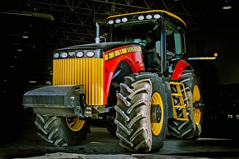 Ciągnik rolniczy Versatile 360 MFWD