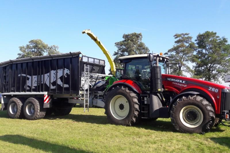 Ciągnik rolniczy Versatile 260 MFWD